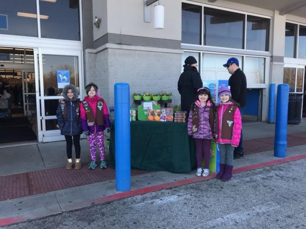 scouts_selling_cookies